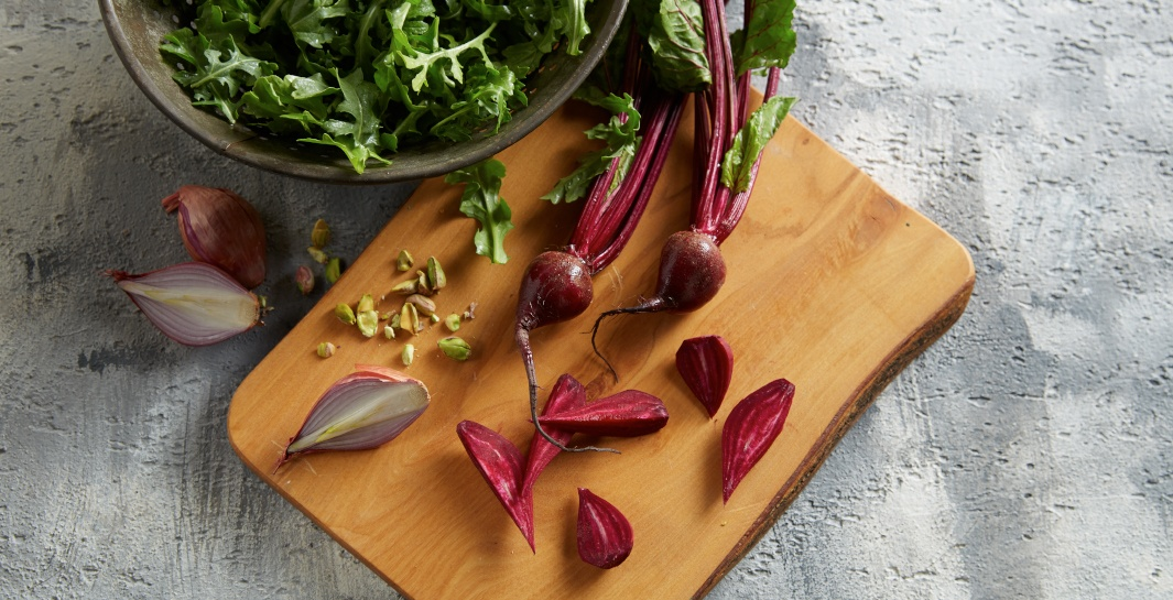 Beet and Whole Grain Salad with Arugula and Pistachios step